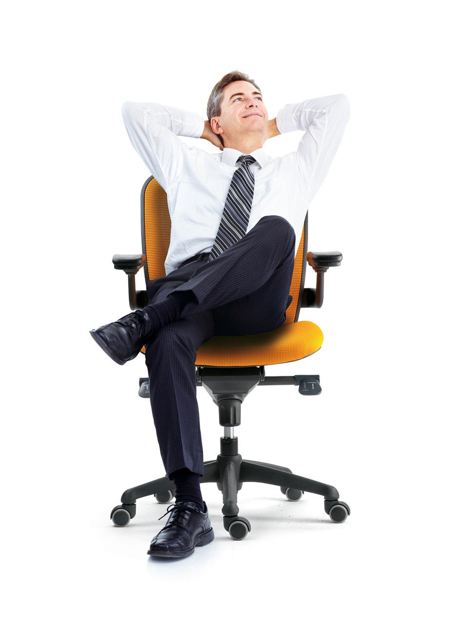 para mejorar la ergonoma en el trabajo de oficina es necesario tener una silla adaptada