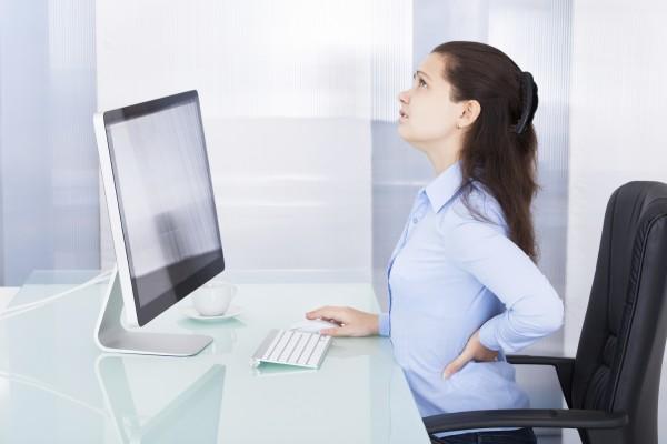 posturas para sentarse en el trabajo