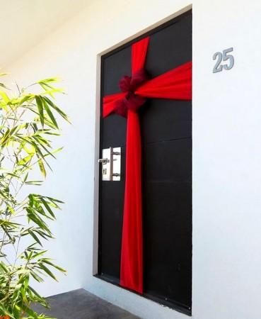 decoracion de puertas navideñas para oficinas