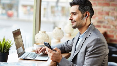 smartphone en la oficina