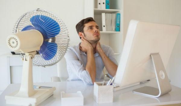 Consejos para saber c mo soportar el calor en la oficina for Oficina de empleo mostoles