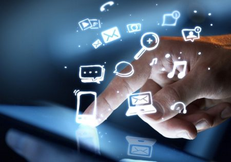 tecnología en la oficina hiperconectividad