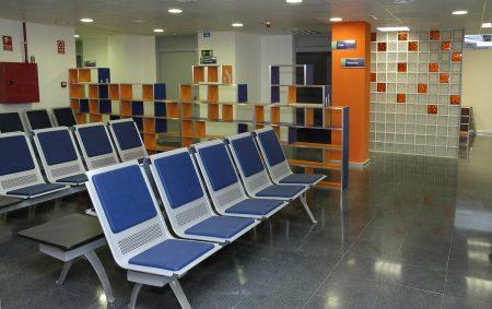 sillas con reposabrazos sala de espera
