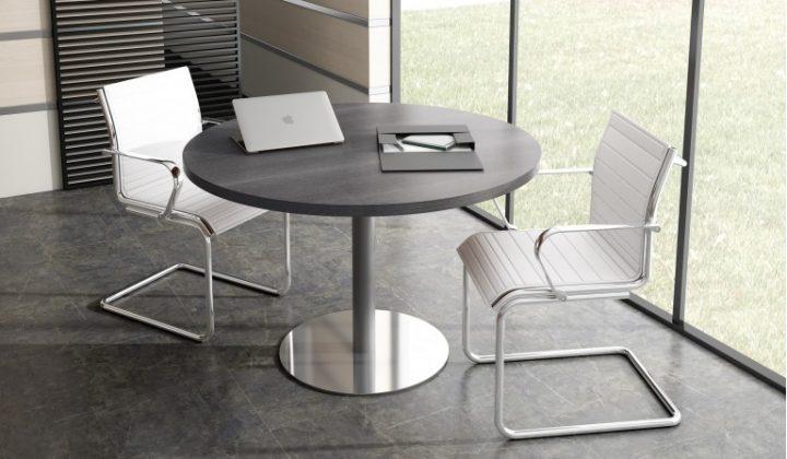 Elegir mesas de oficina redondas o rectangulares ¿cuándo es mejor?