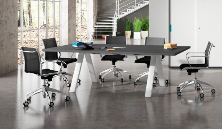 decorar un estudio de arquitecto mesa