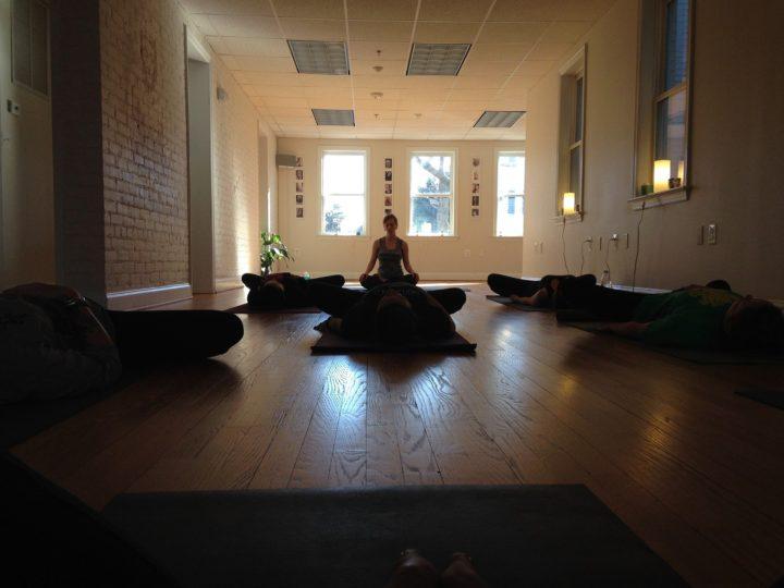 meditar en la oficina